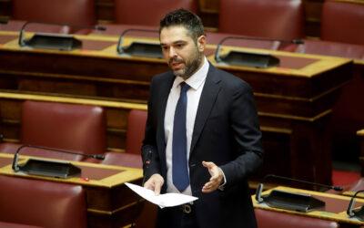 Στη Βουλή έφερε καταγγελίες του Εργατοϋπαλληλικού Κέντρου Φθιώτιδας ο Γιάννης Σαρακιώτης